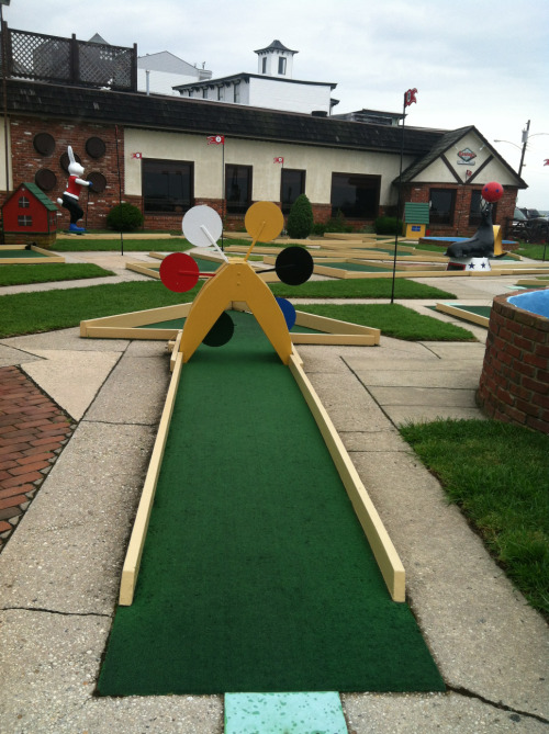 Color theory mini golf.