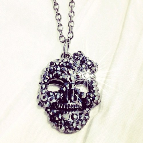 Skull necklace.. 💀 #deadskull #döskalle #photooftheday #bling #jewellery #crystal #crystal #dope #black #shopping #paris #fashionista (Taken with Instagram)