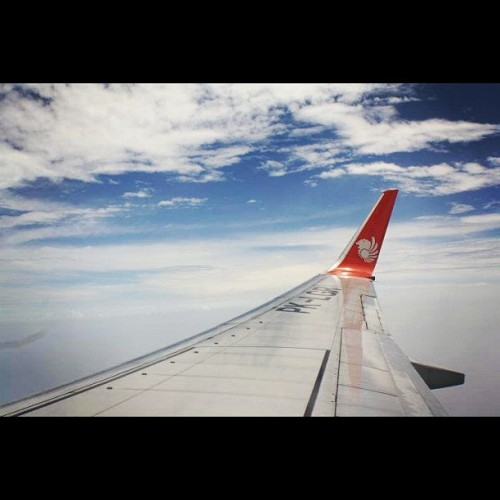 Get safe flight from jakarta to kuala lumpur, thx lion air #instadaily #instagood #instahub# #igers #instagram #instanesia #instanusantara #photooftheday #iphone #iphoneography #iphonesia #plane #winglet #lionair #flight #fly #sky #cloud #morning #jakarta (Taken with Instagram)
