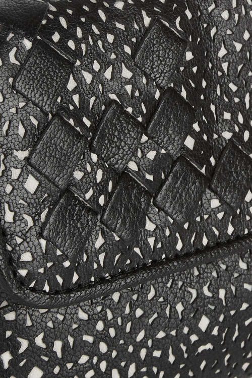 Bottega Veneta, Leather as lace.