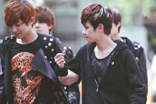 002/010 ships that be sailing forever → Byun Baekhyun / Park Chanyeol [1]