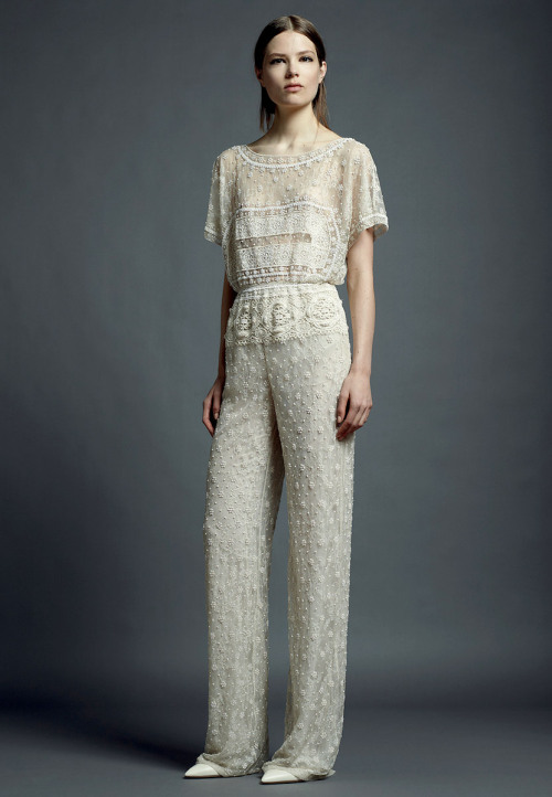 yourmothershouldknow:  Valentino Resort 2013 El girly elegante. ….. Valentino Resort 2013 The elegant girly.