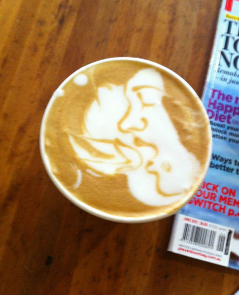 collegehumor:  Coffee Art Depicts Blow Job This coffee sucks.