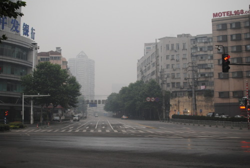 empty streets at 6am last sunday - 没有人!