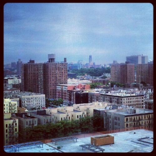 antdogs:  #photoadayjune #day9 #yourviewtoday overlooking the city very beautiful :) niceee #harlem #nyc im catching up lol (Taken with Instagram)