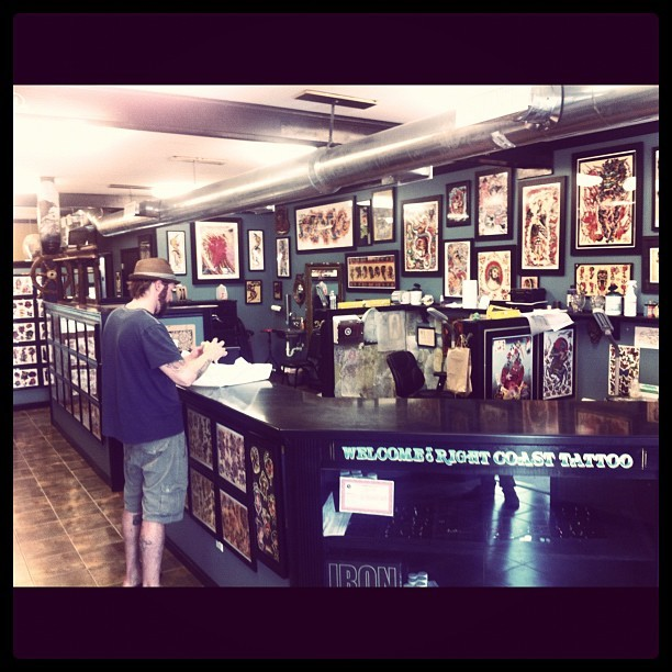 fucking gorgeous shop… honored to do a few tat-jammers here this week.   (Taken with Instagram at Right Coast Tattoo)