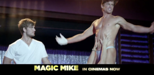 cocksandklainebows:  kurtishunglikeamoose:  magicmikemovie:  More Matt Bomer in a throng.  I CAN'T BREATHE