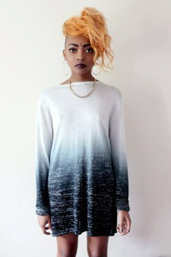 nyane-mpho:  Dip Dye dress/jumper- £12 size- 8/10 payment via-paypal message us for details   Lovely