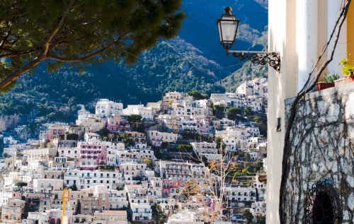 Positano, Campania, Italy AS IN THE CAMPANIA OF INCREDIBLY FERTILE SOIL, FAMED FOR ITS WINE AND OLIVE OIL PRODUCTION, AND PERFUME IN THE ANCIENT TIMES, AND GARUM FROM HERCULANEUM… Man, I miss ancient history. Second best class ever! <3 STANNINGOTPSSSSSS