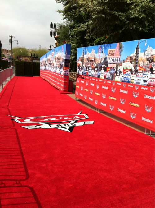 worldofcoler:  Cars Land event red carpet  The walls… perfection
