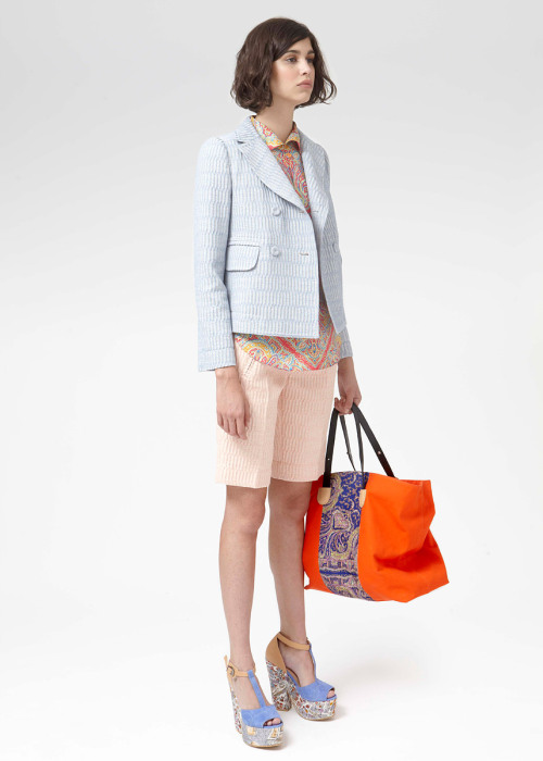 yourmothershouldknow:  Carven Resort 2013 Una colección super afrancesada y ultra chic. ….. Carven Resort 2013 A super French and ultra chic collection.