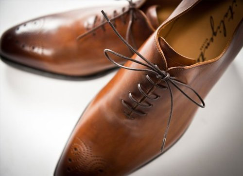 ::STYLE:: Simply BEAUTIFUL! We recommend having a pair of brown shoes in your closet, ALWAYS. It is a staple for any well rounded wardrobe.