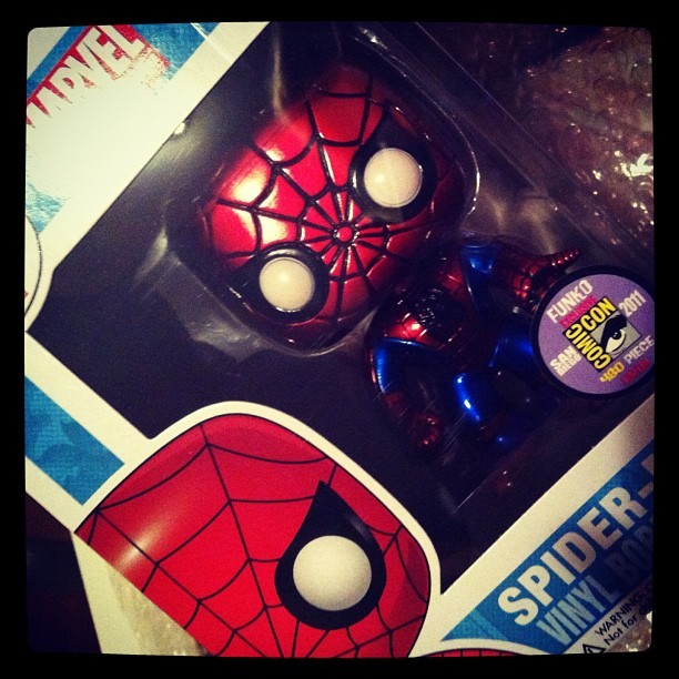 Special edition metallic spider man! Welcome home. 😍 @nairbx07 #spiderman #funko #marvel #comiccon (Taken with Instagram)