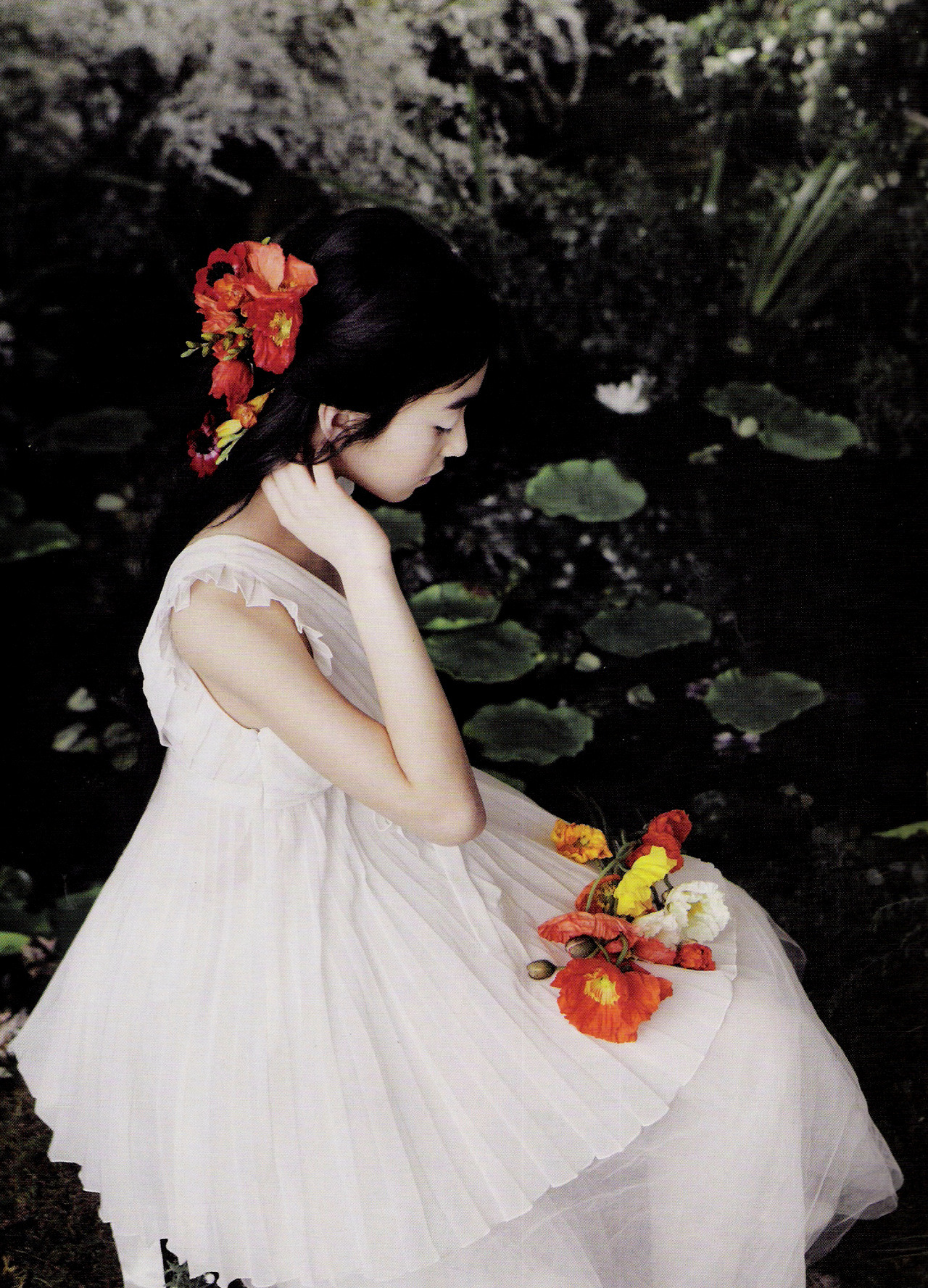 moldavia:  Wang Ji-Won in Vogue Girl Korea April 2007 by Oh Joong Seok