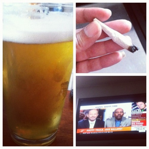 Coming to #work to this makes it #awesome #stella #draft #420  (Taken with Instagram)