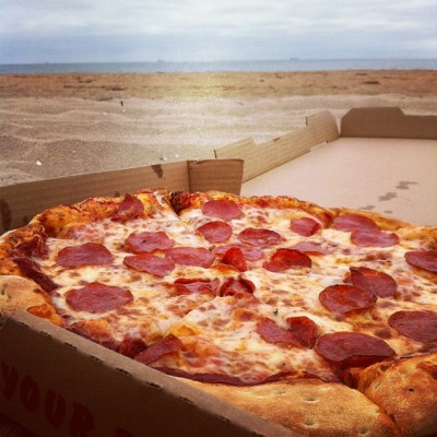 Pizza for one at the beach #icanberomantic #beachday #sunsetbeach #socal #california #foodporn #pizza #chublife (Taken with Instagram at Sunset Beach)
