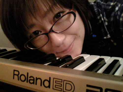 furacoco:  宇多田ヒカル with Roland ED PC-300 Hikaru Utada with Roland ED PC-300