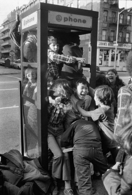 bygoneamericana:  Sixth-graders from P.S. 158 on the Upper East Side, 1975. By Meyer Liebowitz