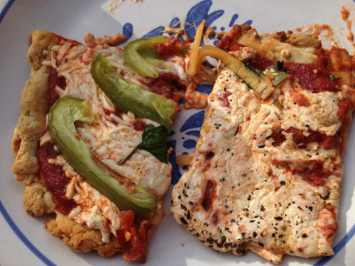 reblogged from idreamofahimsa:  Gluten free vegan pizza for dinner! Left is mozzarella daiya with green peppers and spinach, right is mozzarella and pepper jack daiya with oregano. Yummmmm  Is this an invitation? Can we make it one?