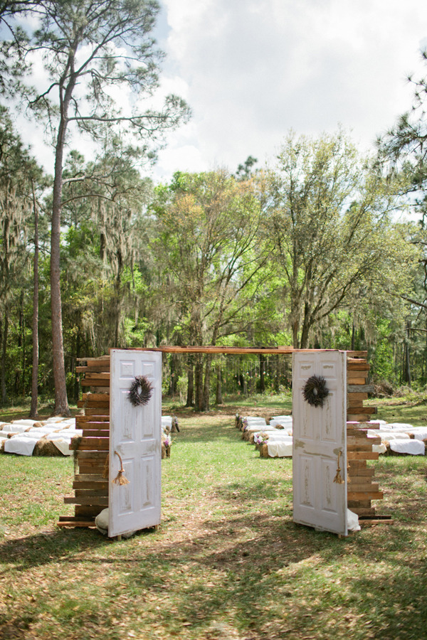 Outdoor wedding elegance…