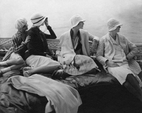 tearingthepages:  Ladies of leisure .…  lounging