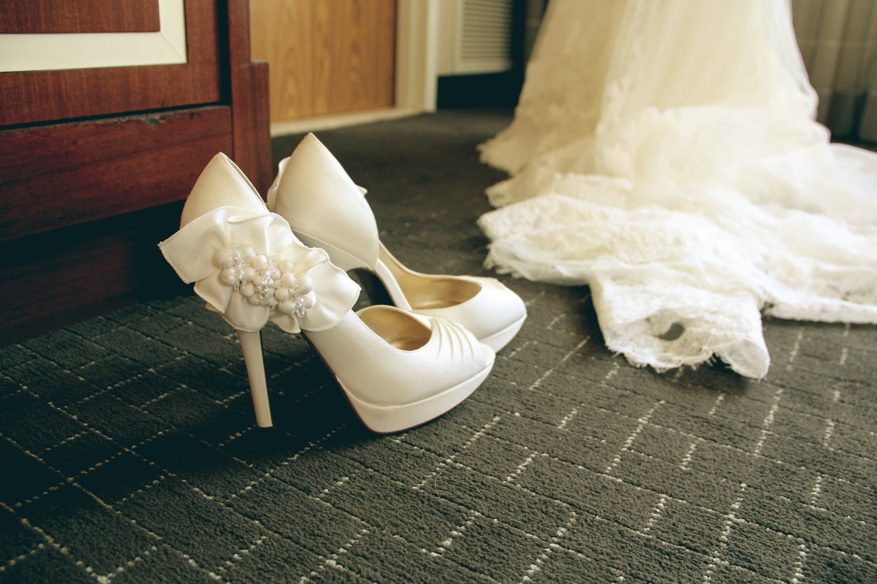 photography-karina:  edited version. my sister's wedding shoes.