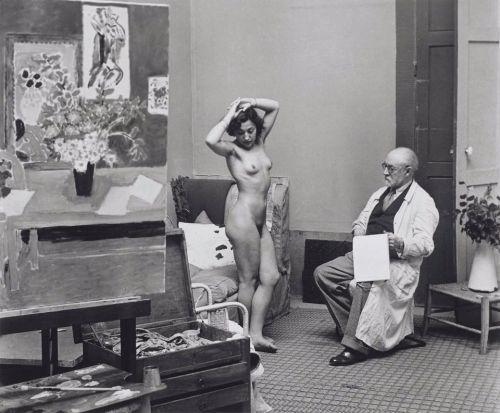 cavetocanvas:  Brassaï, Henri Matisse and His Model, 1939