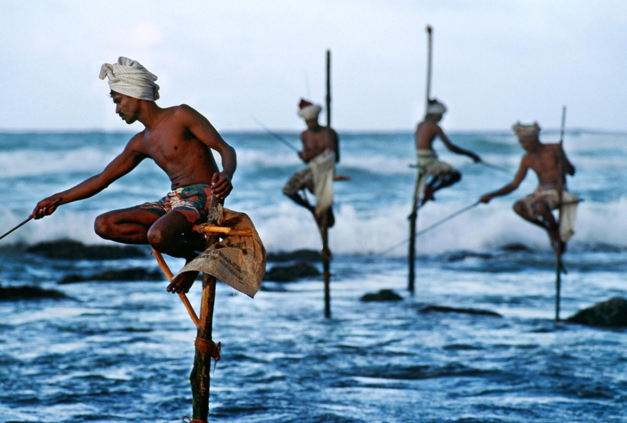 politics-war:  Weligama, Sri Lanka  Photo: Steve McCurry