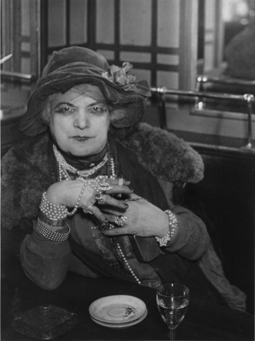 "cavetocanvas:  Brassaï, Madame ""Bijou"" in the Bar de la Lune, Montmartre, 1932"