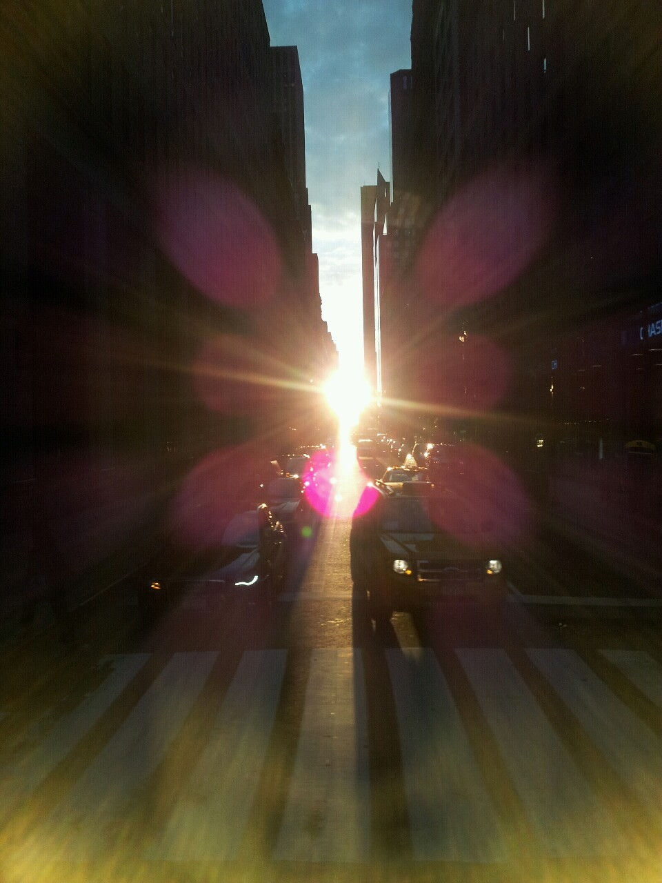 inothernews:  I'm a little mad that I forgot today was Manhattanhenge.