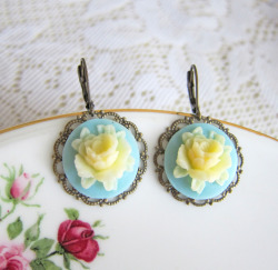 Mint Rose Earrings - JEWELSALEM