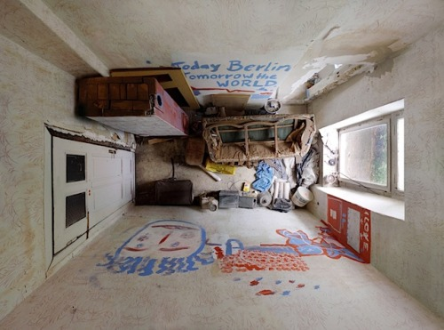 photojojo:  Menno Aden shot these portraits of rooms by rigging a camera at ceiling height. Kinda reminds us of Things Organized Neatly (or not so neatly).  Room Portraits by Menno Aden