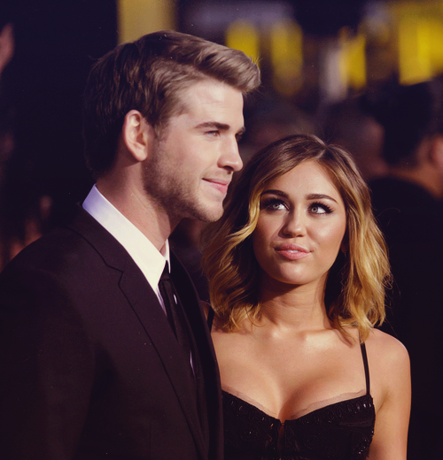 23/30 pictures of miley & liam (★)