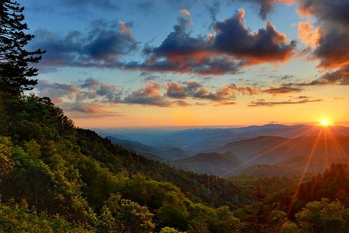oblivi0n-:  Blue Ridge Beauty (by VonShawn)