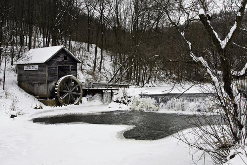 tangledleaves:  Hyde Mill Winter by WisDoc