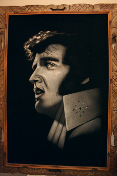 Black velvet Elvis Crying painting