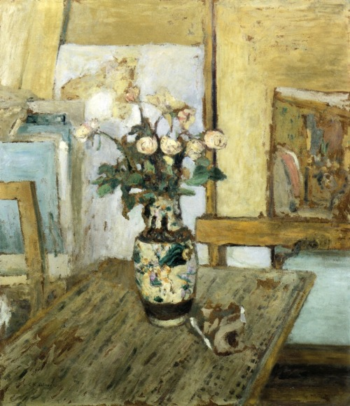 artmagnifique:  EDOUARD VUILLARD. Vase of Flowers, 1903, oil on panel. Post-Impressionism.