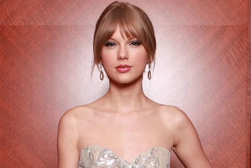 Country artist sensation, Taylor Swift, will be releasing a new album sometime in 2012. Fans are anxiously waiting the arrival of the new album, which Swift has already mentioned is her best one yet. Click [here] or the image to read more!