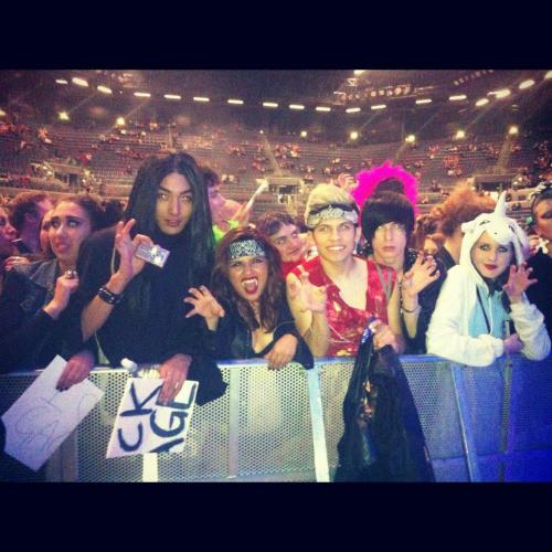 FRONT ROW AT THE BORN THIS WAY BALL NEW ZEALAND JUNE 10TH! Videos on YouTube - GagasHooker