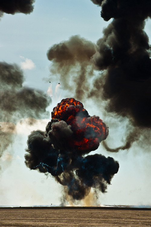 opcion:   Explosion (by SPC Photographic)
