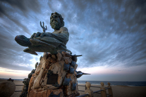 95/365 - King Neptune and the Atlantic Ocean by djdphotos on Flickr.