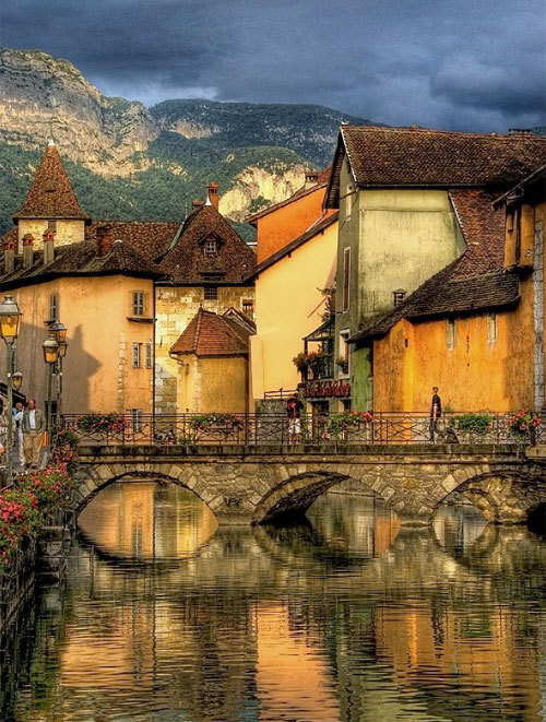Canal Bridge, Annecy, France photo via besttravelphotos