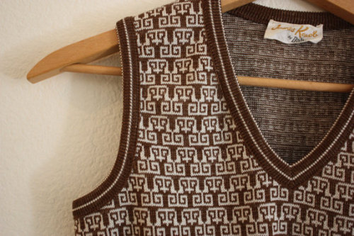 This 1970's vintage owl sweater is perfect for the avid owl lover! For $26 this unique piece can be the latest addition to your closet. The neutral chocolate brown and white will compliment many outfits for a fun, fresh look. Find it here!