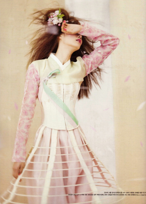 koreanmodel:  Lee Hyun Yi by Koo Bohn Chang for Vogue Korea May 2012  oh wow, this is stunning.