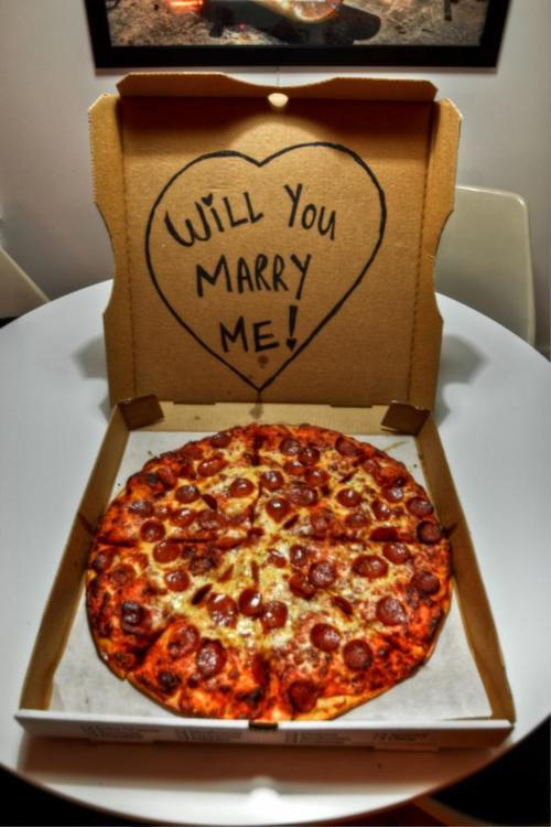 Yess…the way to a mans heart…so love and pizza