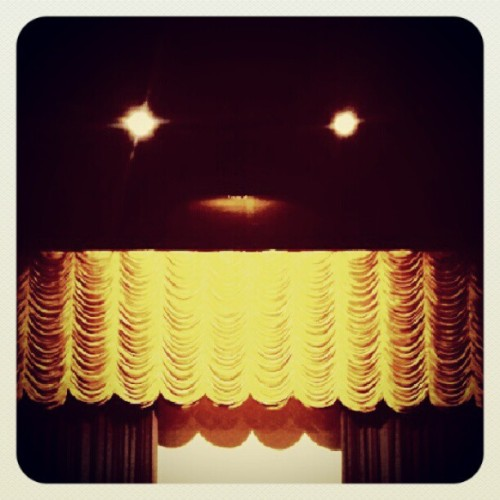 #golden #theater #cinema #kediri #theatre #instagram #instaphoto #instaworld #android #androidphoto #pingram #pingramme #hellogram #instadaily #instacnvs #photooftheday #instago #instagramers #picoftheday #instacanvas #instadaily #instagramhub #gf_daily #gang_family #extragram (Taken with Instagram)