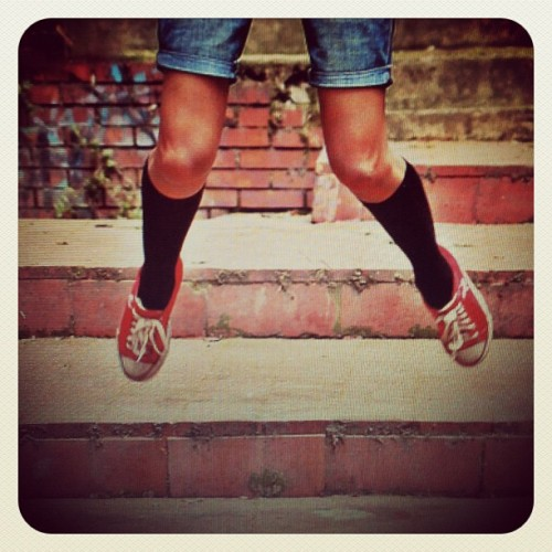 #photo #instaphoto #fly #photo #photography #photograph #shoes # red #converse (Taken with Instagram)