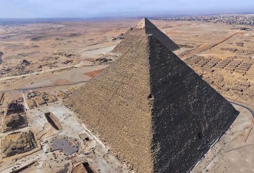 aboutegypt:  Giza from the air (by kairoinfo4u)