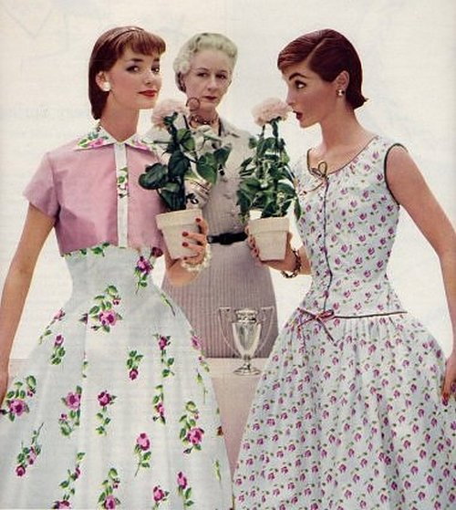 theniftyfifties:  Summer dress fashions, 1950s.