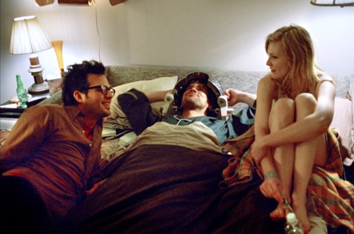 Taking a break on-set of Eternal Sunshine of the Spotless Mind (2004)
